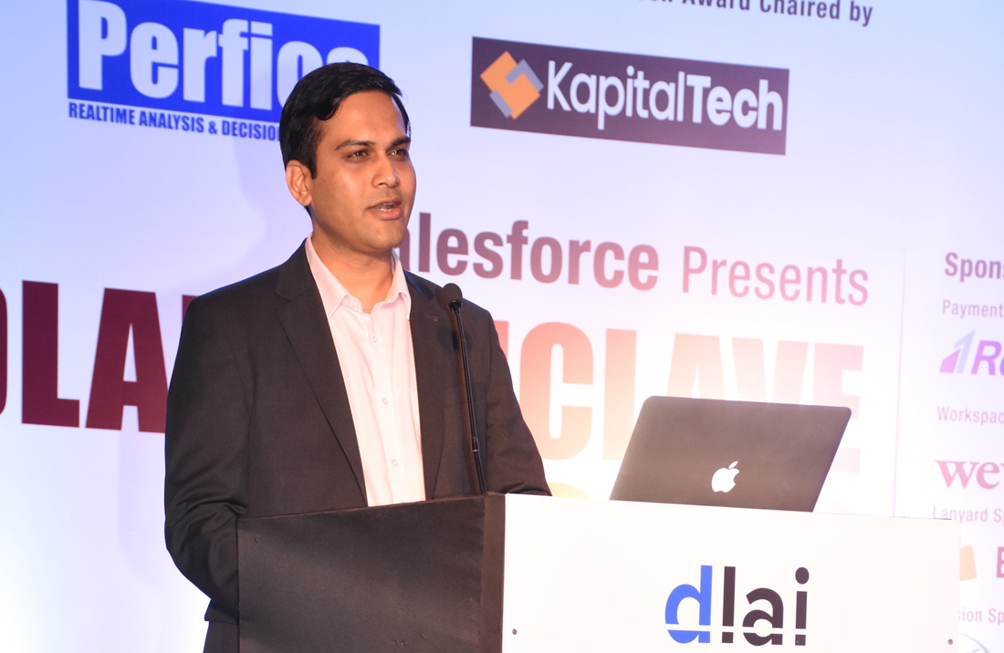 Shaily Kajaria, Co-Founder, KapitalTech giving away the Disruptor of the Year Award to Mabel Chacko, Co-Founder, Open Financials