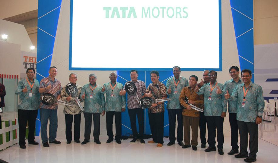 TATA Motors team -vyapaarjagat