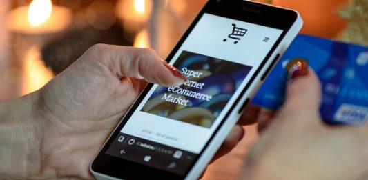 $18.2 Bn in purchases have been made by smartphones this month, which is up 49.5% compared to last year - Vyapaarjagat